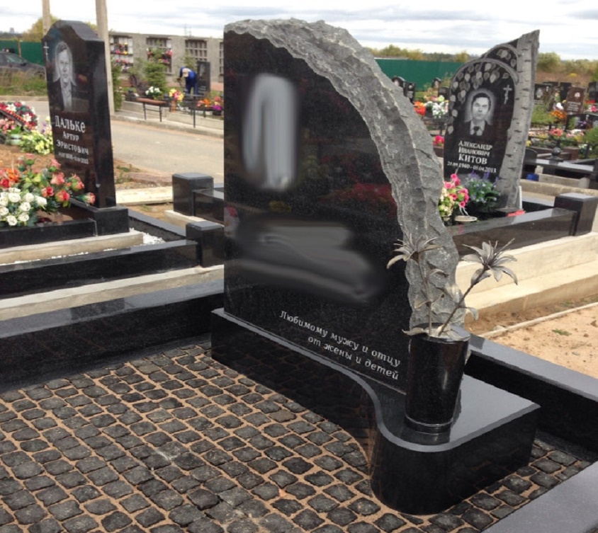 Заказать памятник на могилу Памятник с крестом на просвет Любань